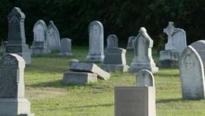 au-ramas-stupefiati-cand-au-vazut-asta-pe-piatra-funerara-in-cimitir-le-am-dorit-pe-mormantul-lui-pentru-ca-le-iubea
