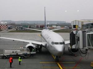 un-avion-a-aterizat-de-urgenta-pe-aeroportul-henri-coanda-ce-s-a-intamplat-