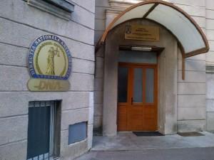 directori-cec-bank-bra-ov-trimi-i-in-judecata-pentru-luare-de-mita-si-abuz-in-serviciu-citeste-comunicatul-dna