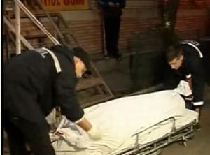 barbat 80 de ani gasit mort in apartament