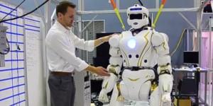 valkyrie-robotul-care-zboara-in-spatiu-cu-astronautii