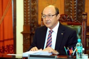 basescu-solicita-parlamentului-reexaminarea-legii-privind-vanzarea-terenurilor-agricole-extravilane