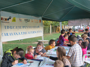 Peste 150 de copii sprijiniţi pentru un viitor mai bun prin Caravana Educalternativa susţinută de Fundaţia Orange