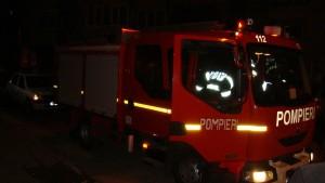 Tentativă de sinucidere prin autoincendiere. Un bărbat din Satu Mare și-a dat foc apartamentului