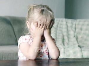 dumnezeule-un-sibian-s-a-fotografiat-in-timp-ce-si-abuza-sexual-fetita-de-nici-doi-ani