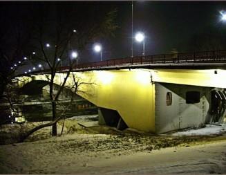 Tentativă de sinucidere pe Podul Golescu