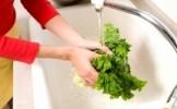 Spalati legumele si gatiti cu apa de la robinet? Vedeti la ce riscuri va supuneti