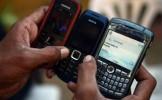 Europenilor le plac telefoanele deştepte, dar nu le place să dea bani pe serviciile de telefonie