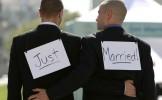 Franţa devine a 14-a ţară din lume care acceptă căsătoriile între homosexuali
