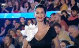 Gafa senzationala la Vocea Romaniei! In timp ce Nicoleta Luciu prezenta, in spatele ei, cineva din p...