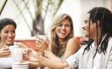 Varsta de aur a socializarii: cand avem cei mai multi prieteni?