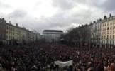LIVE VIDEO. MANIFESTAŢIE URIAŞĂ la Paris, în memoria victimelor atacurilor teroriste. UN MILION DE O...