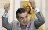 Gigi Becali ajută din închisoare: Patronul Stelei a dat ordin ca 10 tiruri cu alimente să ajungă la ...